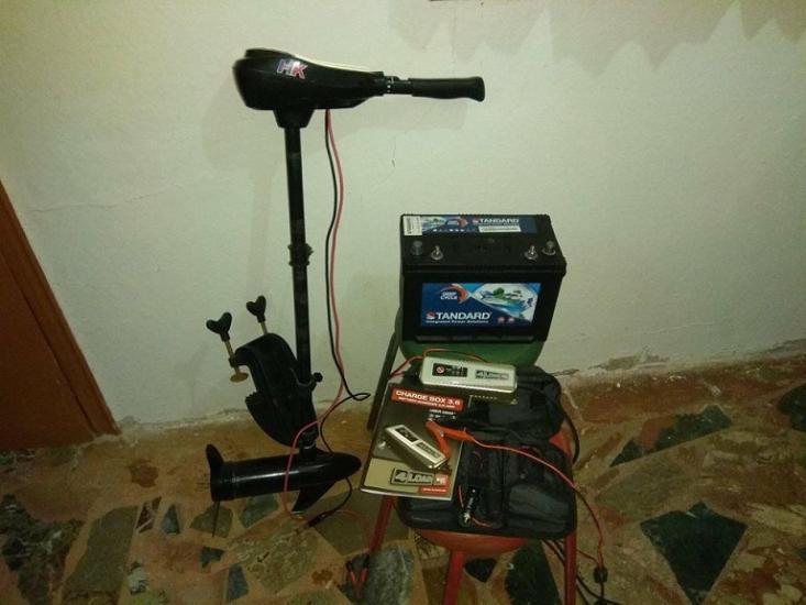 Ηλεκτρική εξωλέμβια 36 lbs, φορτιστής - συντηρητής και μπαταρία 90Ah